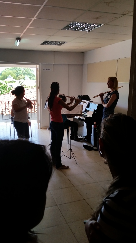 Flutist Roma Duncan worked with Cuban students in a workshop.